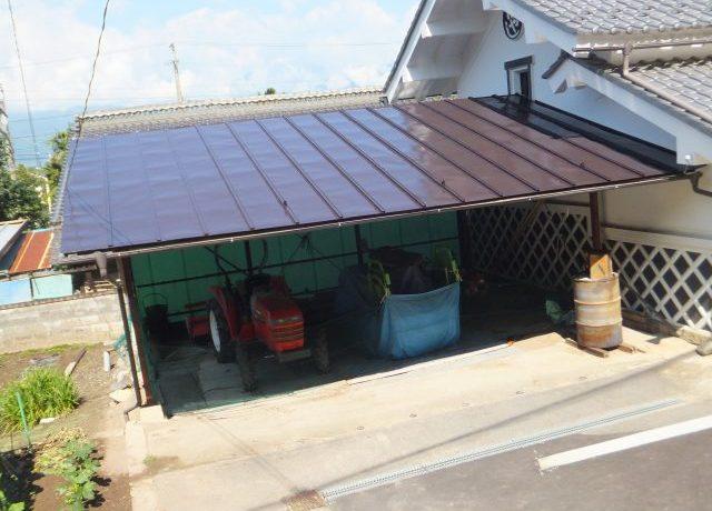 安曇野市豊科にて物置庇屋根塗装完了!